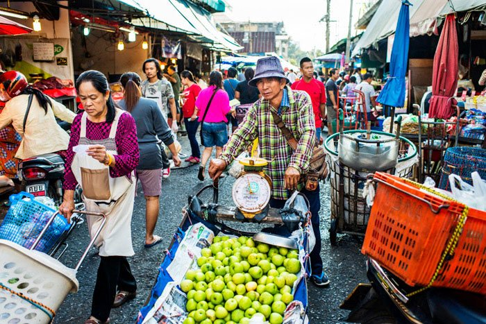 Chiang Mai Photo Workhsops Busy Muang Mai Market