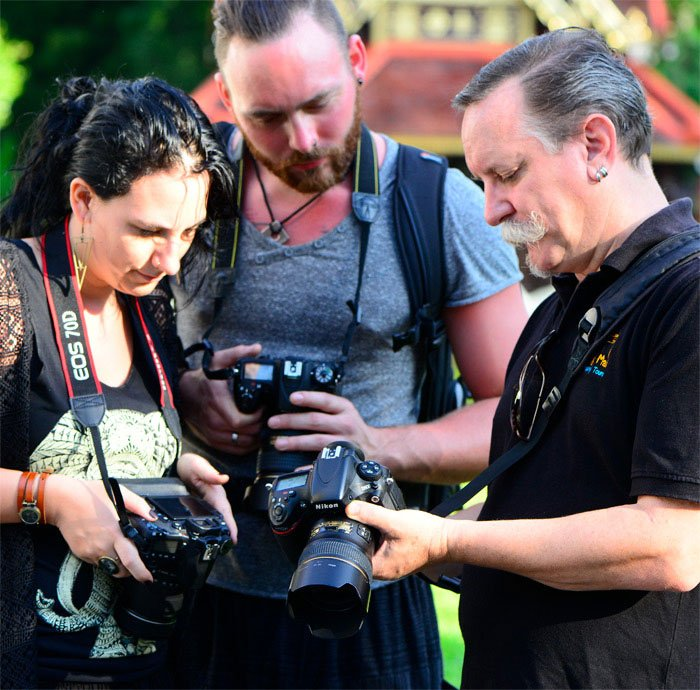 Kevin Landwer-Johan teaching a Chiang Mai Photo Workshop in Thailand