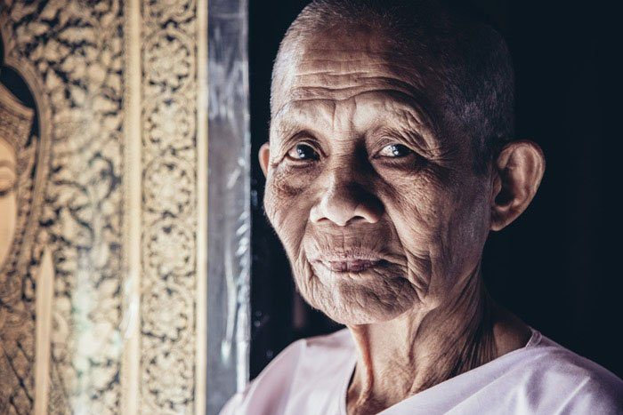Chiang Mai Photo Workshops tempel caretaker Buddhist nun